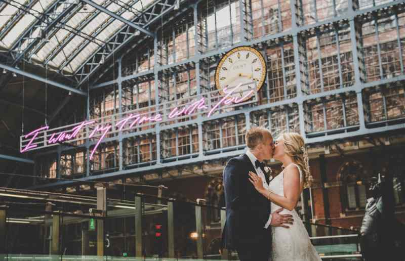 london wedding photographer Jon Thorne wedding photography wedding photo  renaissance hotel st pancras
